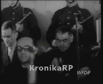 Warszawa oskarża