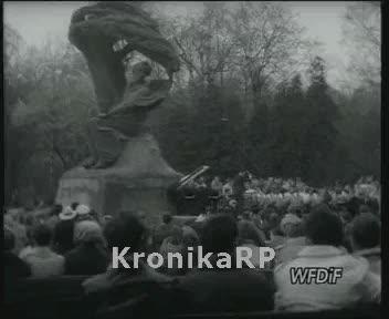 1 Maja w Warszawie - koncert Chopinowski w Łazienkach