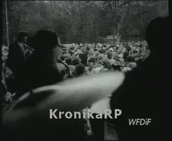1 Maja w Warszawie - zabawa w parku bielańskim