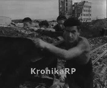 Odbudowa Warszawy - pomoc gości