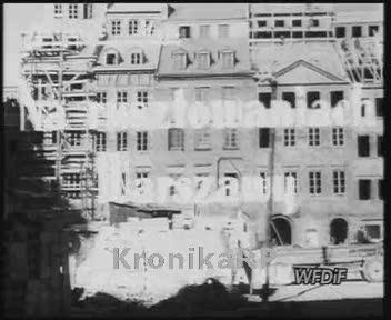 Na rusztowaniach Warszawy