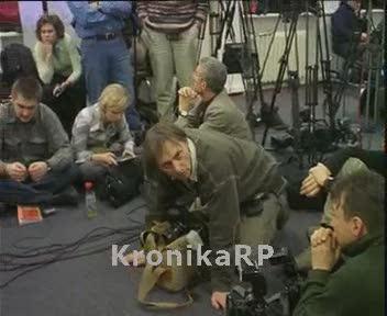 Konferencja prasowa SLD - oczekujący dziennikarze